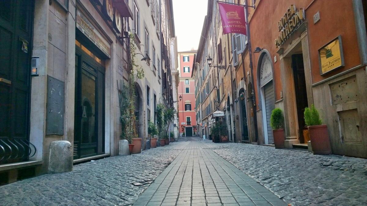 Rooma Via dei Pastini