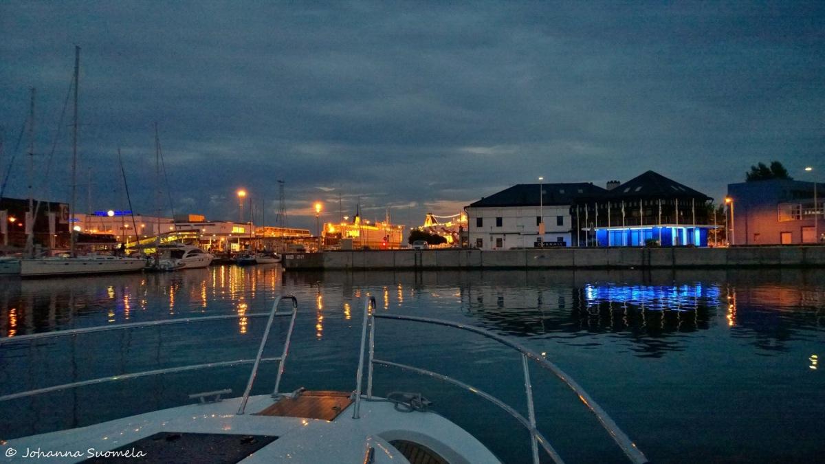 Tallinna satama yö